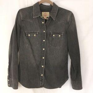 Levi's dark grey denim shirt. Women's size medium